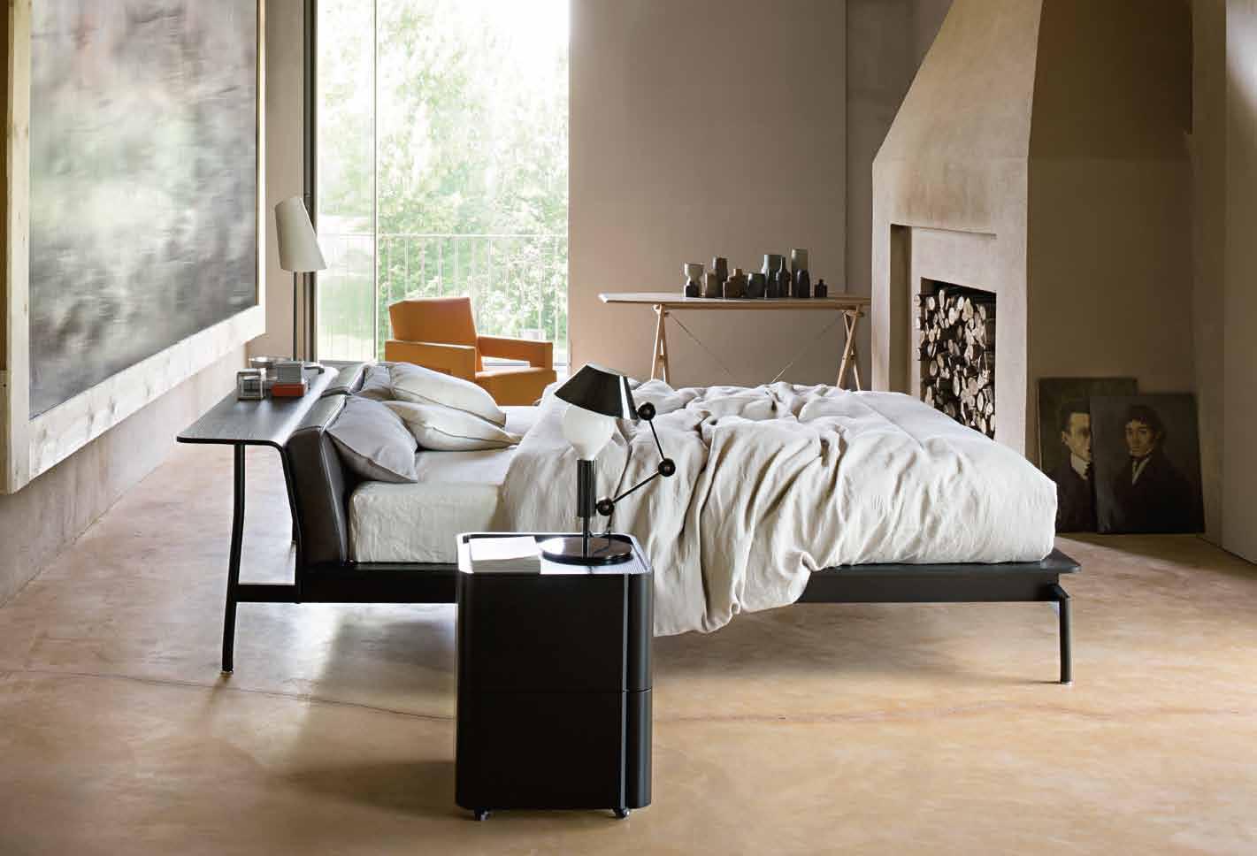 Cassina Authentic sleeping (1)