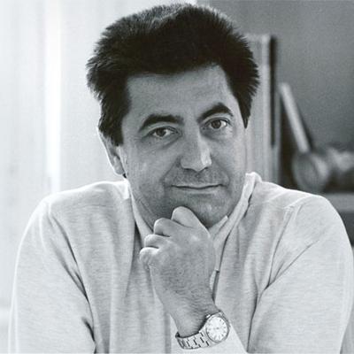 Antonio citterio architetto art director designer for Outlet cassina meda