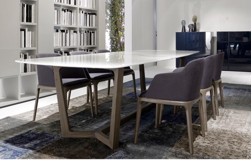 Nuovi materiali e tendenze i tavoli della nuova for Baxter sedie